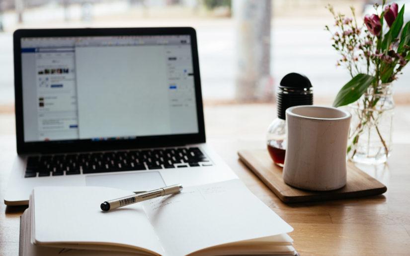 Cappuccino Laptop Blogging