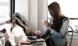 5-moeglichkeiten-ortsunabhaengig-geld-zu-verdienen-als-familie