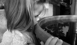 Warum Kinder Selbstgespräche führen sollten und wie Du sie dazu ermutigst