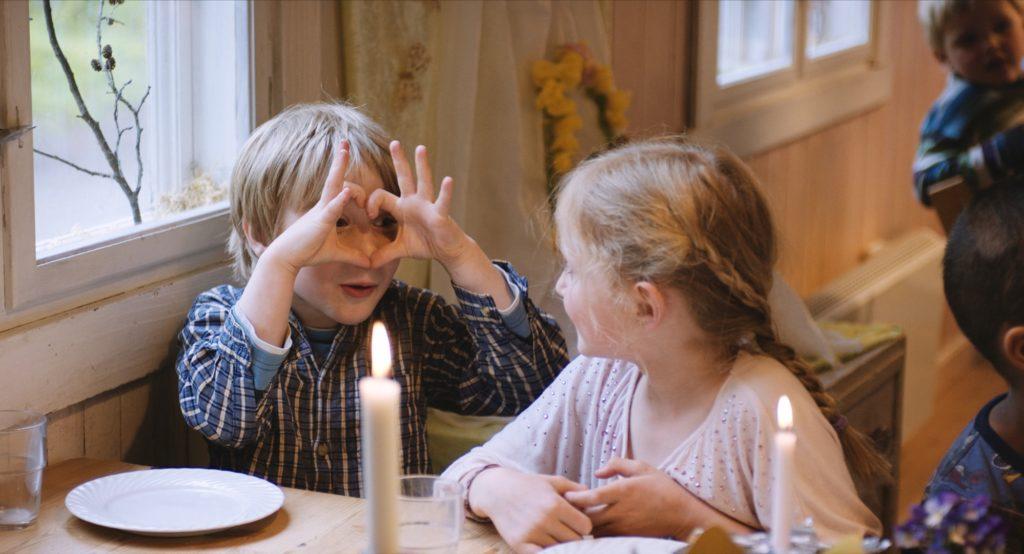 KINDHEIT - Ein Film von Margreth Olin